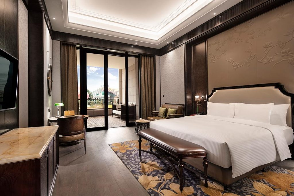 guangzhou indoor ski resort - wanda vista hotel guangzhou