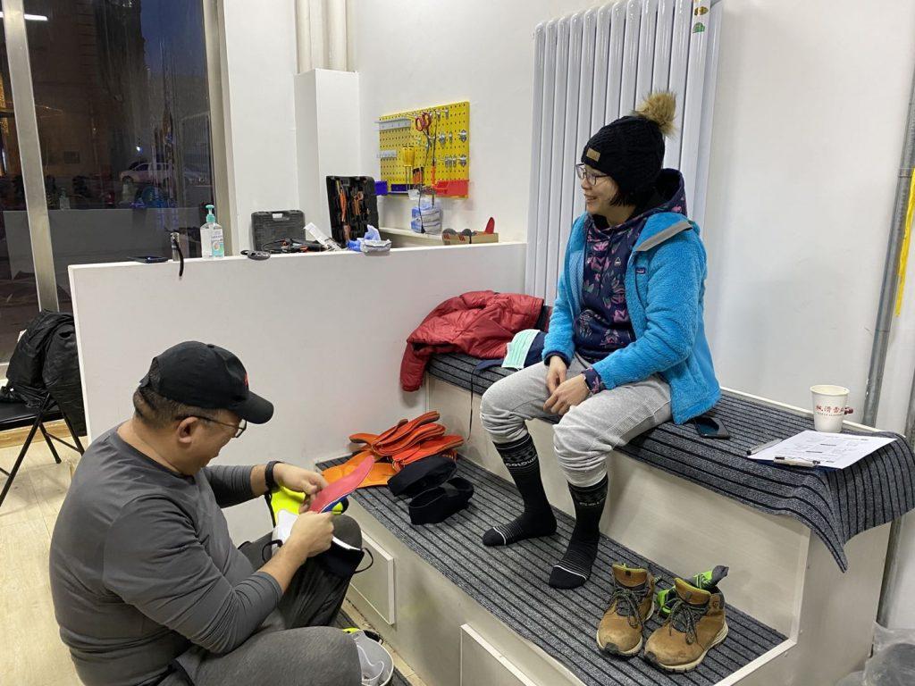 中國崇禮萬龍滑雪場調鞋服務